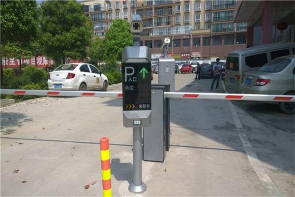 徐州车牌识别停车场系统的使用