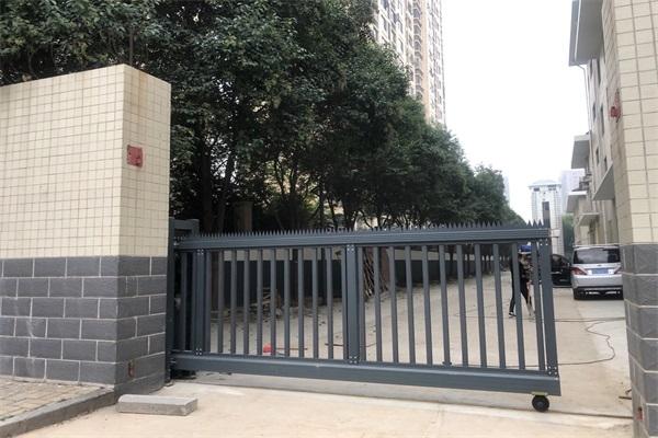 热烈庆祝徐州西苑消防支队选择徐州门道智能科技工业直线门产品